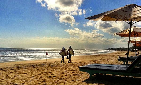 Pantai Legian Bali – Keindahan Pantai & Suasana Tenang